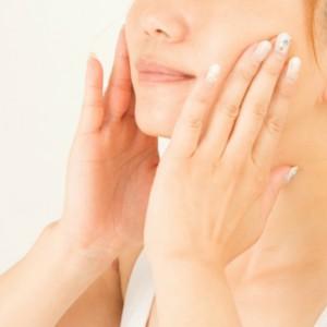 美白でよく聞くトラネキサム酸とは?トラネキサム酸の美白効果と注意点